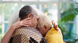 4 Ways You Can Offer Considerate Condolences After A Loved One