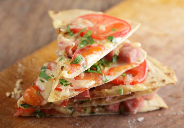 Flatbread pizza is fun for kids to