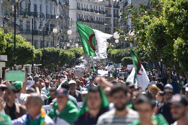 Ramadan ou pas, les Algériens manifestent contre