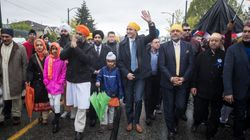PM Visits Sikhs In Vancouver After Gov't Ditches Reference To