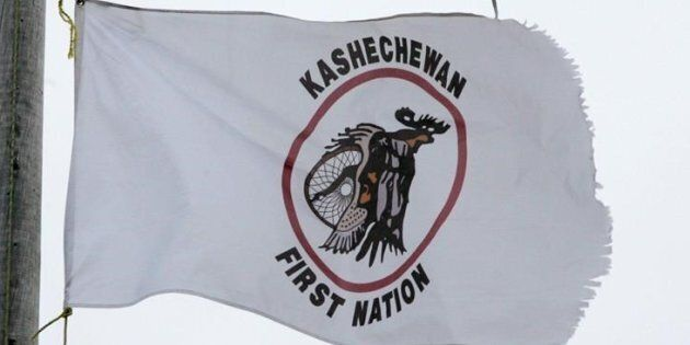 More than 2,500 members of the Kashechewan First Nation were to be flown out from the reserve Monday...