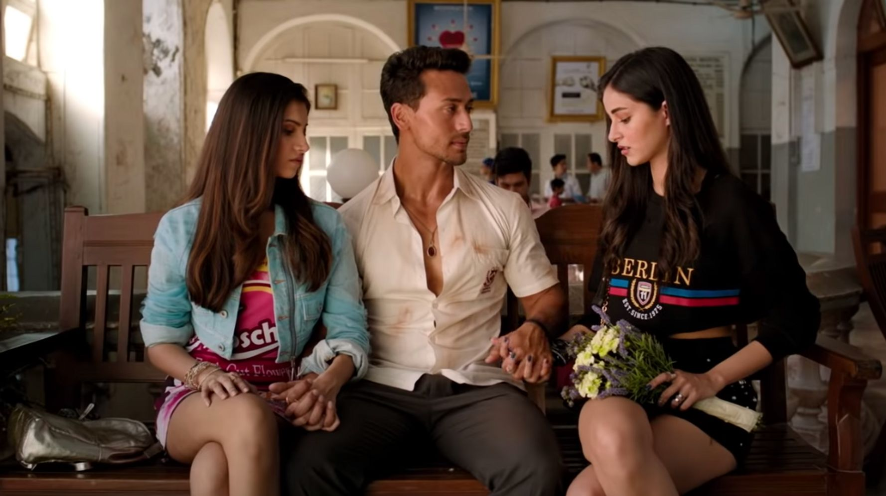 Student Of The Year 2 Why Are The Film S Women Such Creepers Huffpost India Entertainment