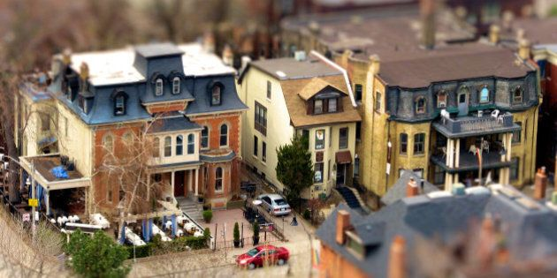 Toy-ronto Life series.More Tilt-shift digi-magic was cast upon Toy-ronto, this time featuring a group of well surviving examples of late 19th and early 20th centuries semi-detached houses on Church St, north of Dundonald St. These model houses still contribute much to the fashionable appearance of the neighborhood.