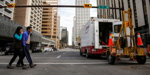 Resilient Calgarians Cope With Downtown Power