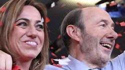 Emoción en las redes por esta imagen de Rubalcaba junto a Carme Chacón: