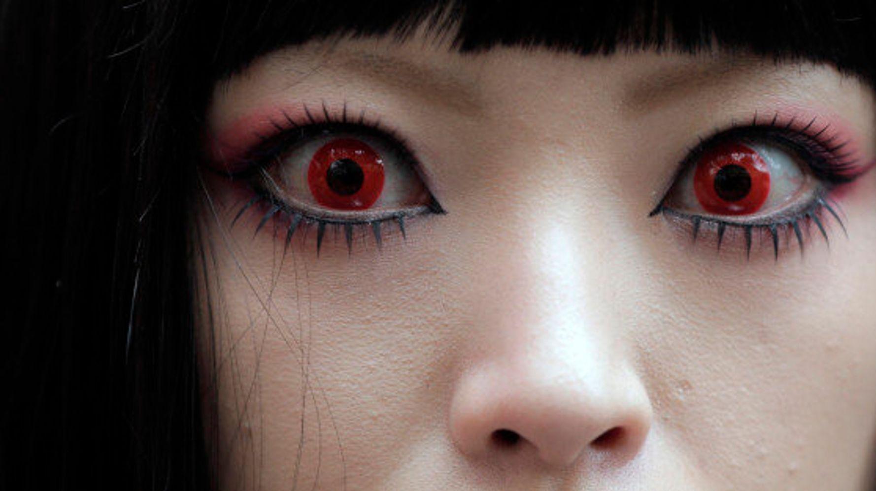 это фото глаза с красными зрачками дэвис