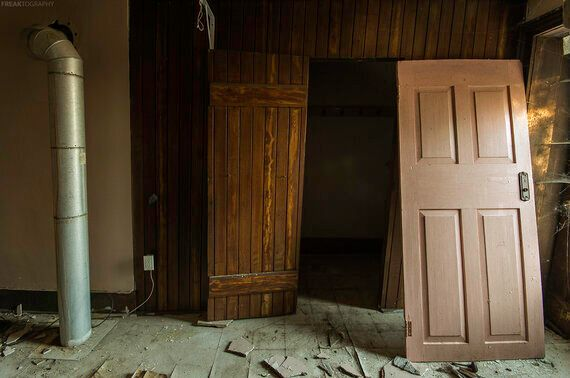 Photo Essay: 25 Abandoned Houses From Across