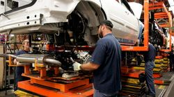 Canadian Manufacturing Sees 4th Drop In 5