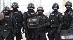 Laval Police Criticized For Festive Riot Gear