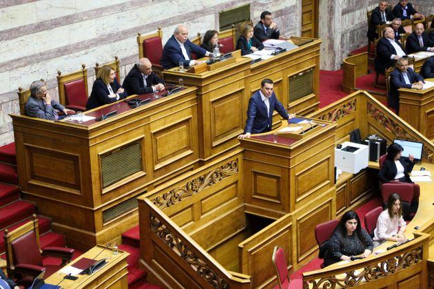 Βουλή: 153 «ναι» στην ψήφο