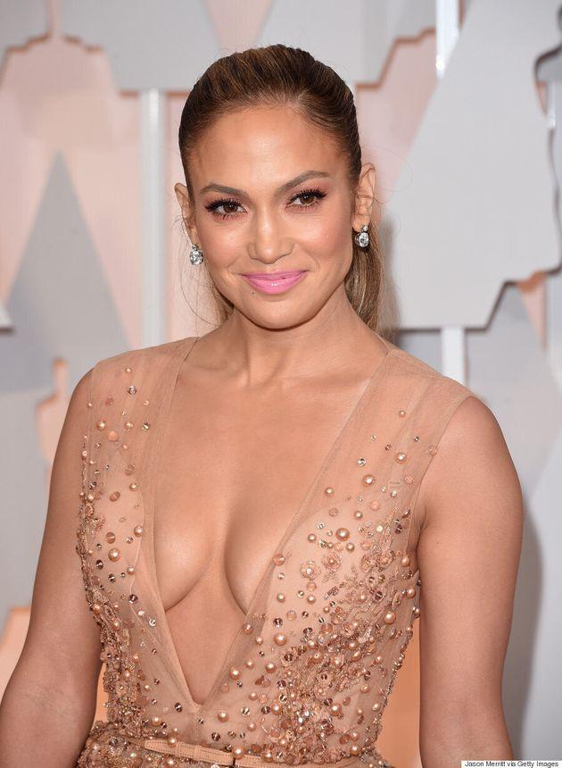 Jennifer Lopez's Oscars 2015 Shows A Ton Of