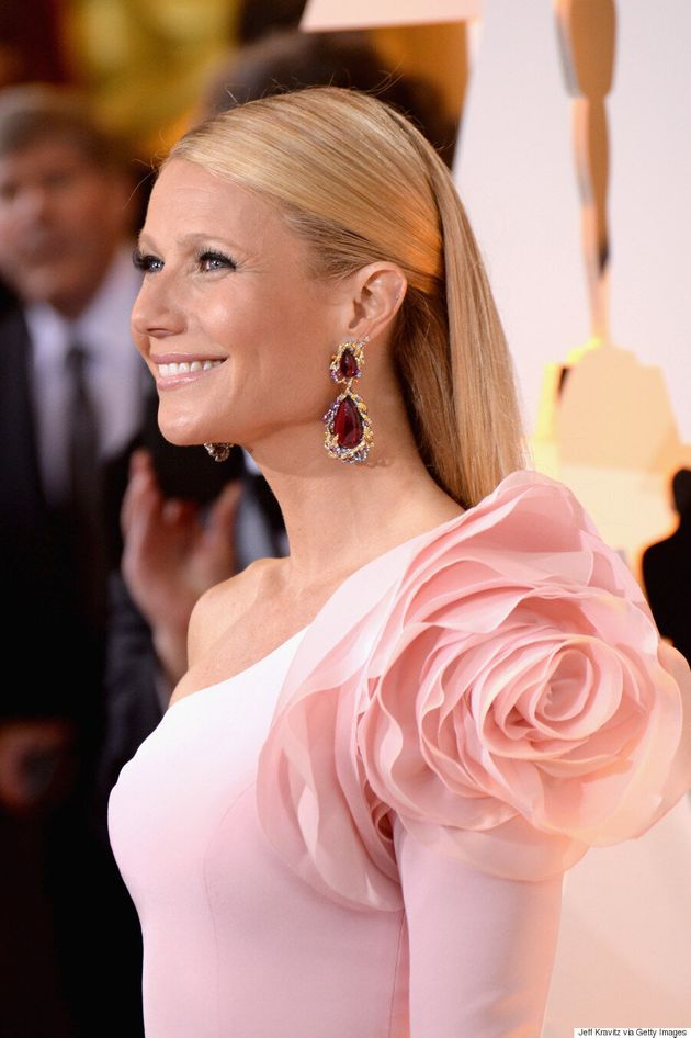 Gwyneth Paltrow's Oscars 2015 Dress Ensures The Shoulder Gets Its