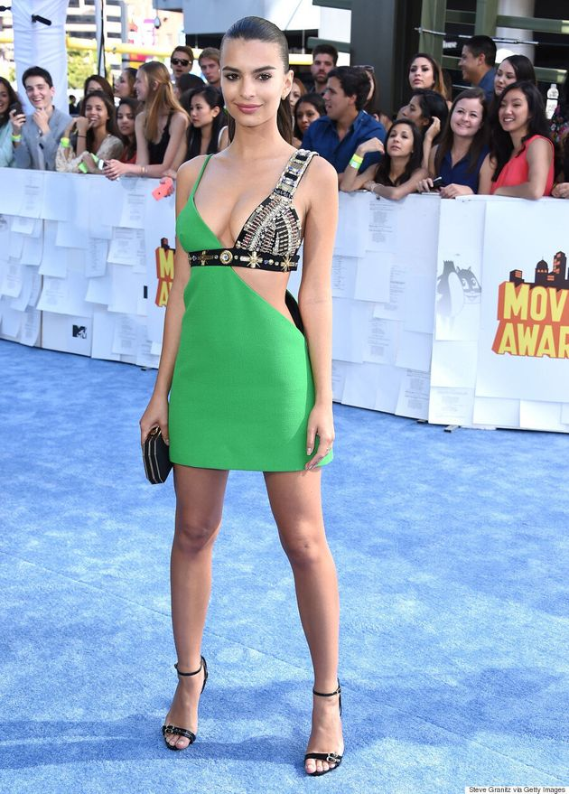 Emily Ratajkowski's MTV Movie Awards 2015 Dress Is Gladiator