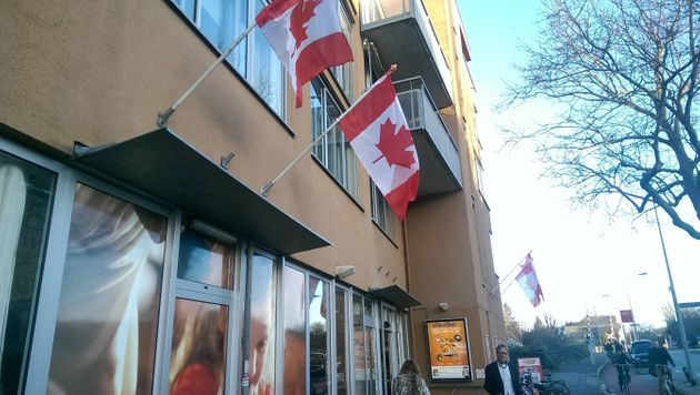 Groningen Flies Canadian Flags To Thank Troops Who Liberated