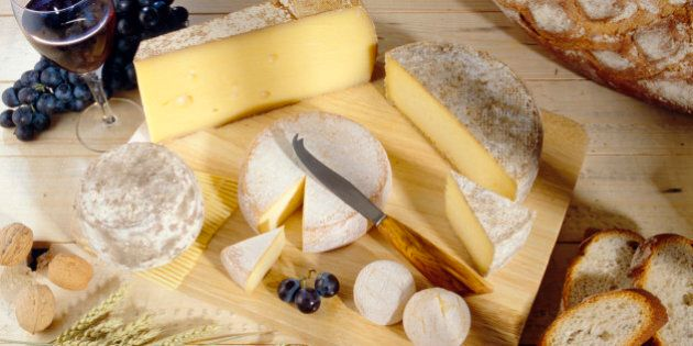 Cheeses on cutting