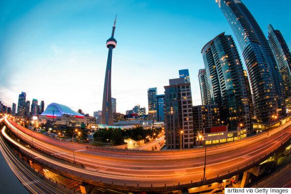 Canada Real Estate: Bad Signs Are Piling Up In Toronto And Vancouver's