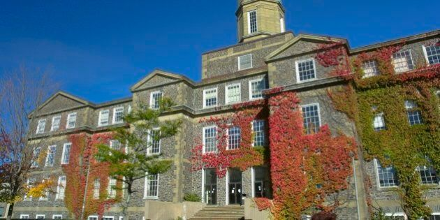 Dalhousie Dentistry Students Return To Class Amid Probes Into Facebook