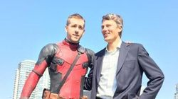 Ryan Reynolds, Vancouver Mayor Get