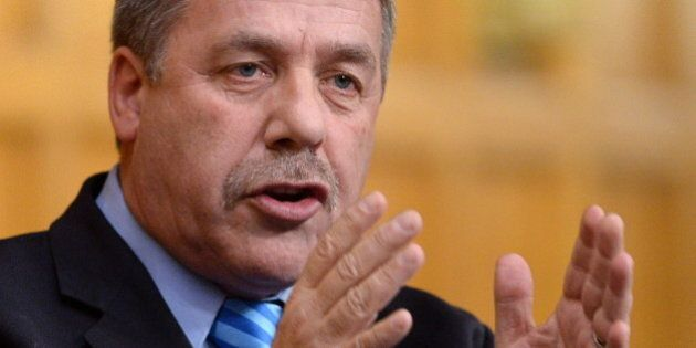 Peter Stoffer, NDP MP, Calls For End To Omnibus Bills That 'Nobody