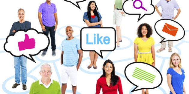 Group Of Multi-Ethnic People With Speech Bubbles Social Media