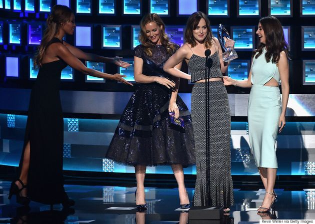 People's Choice Awards 2016: Dakota Johnson Experiences Wardrobe Malfunction On