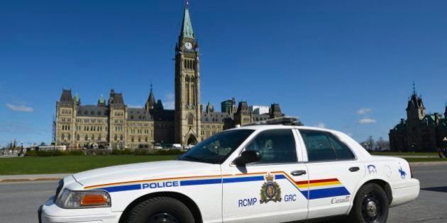 Security Lapses Noted Before Oct. 22 Parliament Hill
