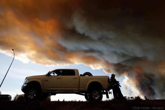 Alberta Oilsands Workers Told To Evacuate As Fire