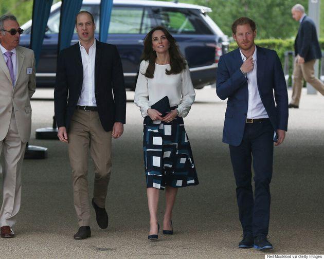 Kate Middleton Dons Fashion Picks From Banana Republic And Zara This