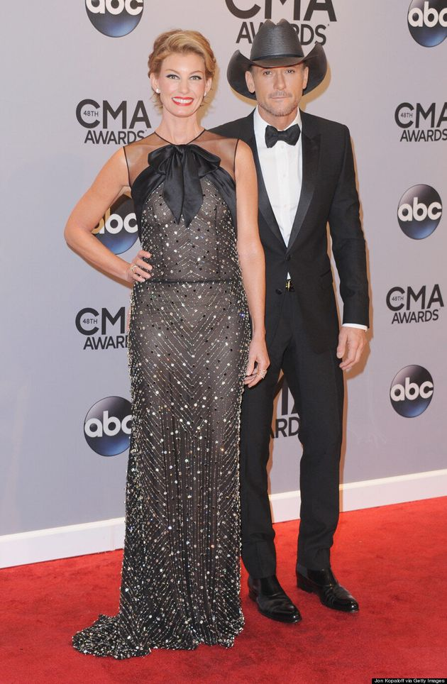 Faith Hill Debuts Pixie Cut At 2014 CMA Awards
