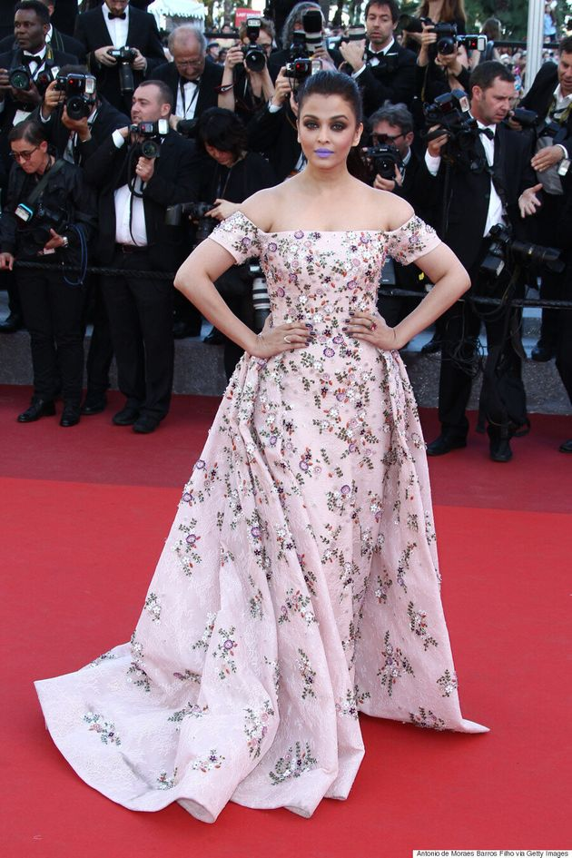 Cannes 2016: Aishwarya Rai Rocks Purple Lipstick To 'From The Land Of The Moon'