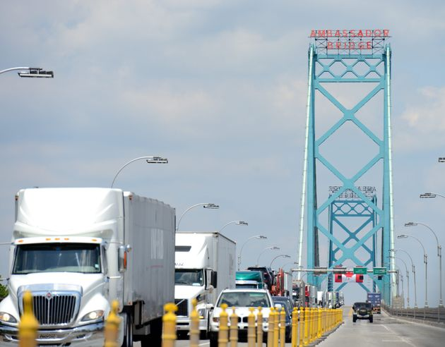 Canadian Trucking Industry Faces 48,000-Driver