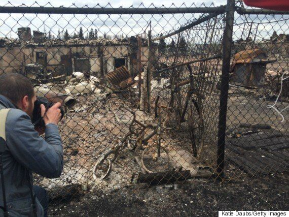 Fort McMurray Fire: Evacuees Participate In Massive Telephone Town