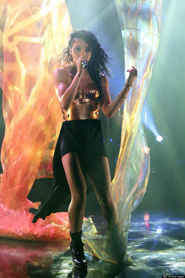 FKA Twigs Nails Her Onstage Style In Copper