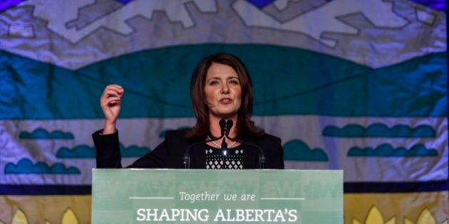 Danielle Smith Among 7 Wildrose MLAs Crossing To Alberta PC