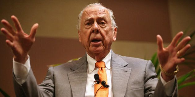 OKLAHOMA CITY, OK - MAY 22:  Founder and Chairman of BP Capital Management T. Boone Pickens participate in a discussion during a 'birthday bash' to celebrate his birthday at the 2015 Southern Republican Leadership Conference May 22, 2015 in Oklahoma City, Oklahoma. About a dozen possible presidential candidates will join the conference and lobby for supports from Republican voters.  (Photo by Alex Wong/Getty Images)