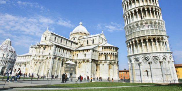 The Pros and Cons of Studying Abroad As a Mature