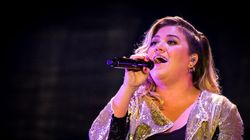 Kelly Clarkson's Daughter Is Clearly NOT A Santa