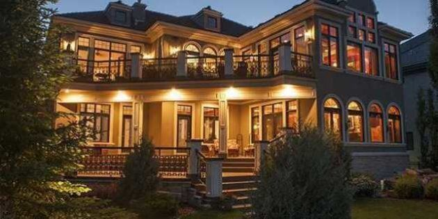 Edmonton The Only Canadian City Where House Prices Grew In