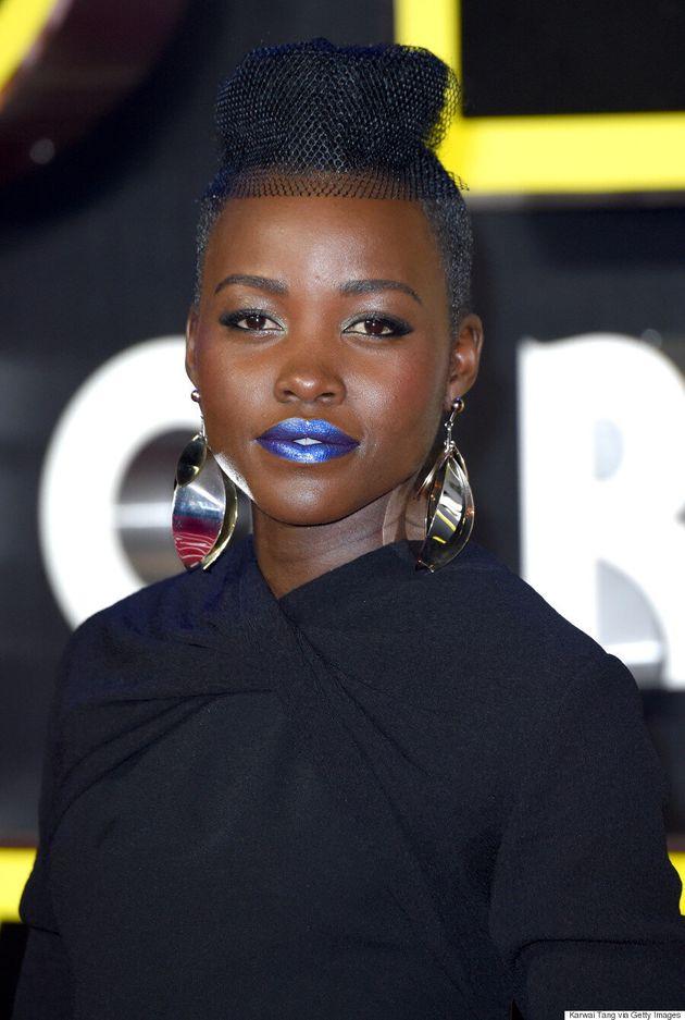 Lupita Nyong'o Rocks Metallic Blue Lipstick At 'Star Wars: The Force Awakens' European