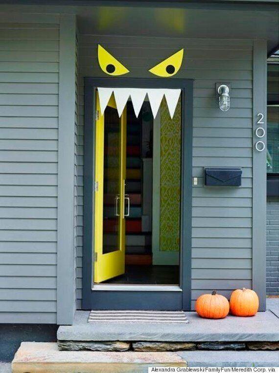 9 Easy, DIY Halloween Door Decorations For This