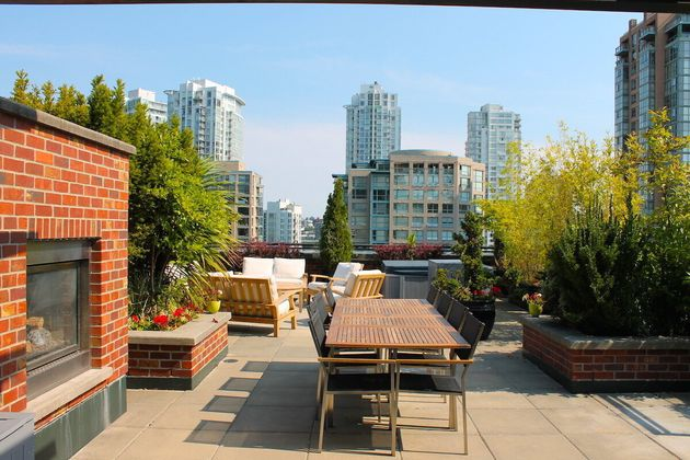 Vancouver Yaletown Penthouse Condo Reveals Fun