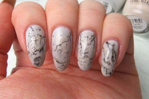 #ManiMonday: Simple Marble Stone Nail