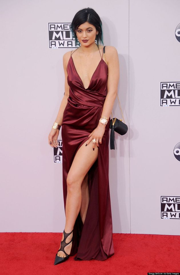Kylie Jenner's 2014 AMAs Dress Shows A Ton Of
