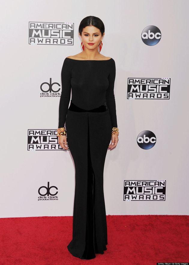 Selena Gomez's AMAs 2014 Dress Channels Morticia