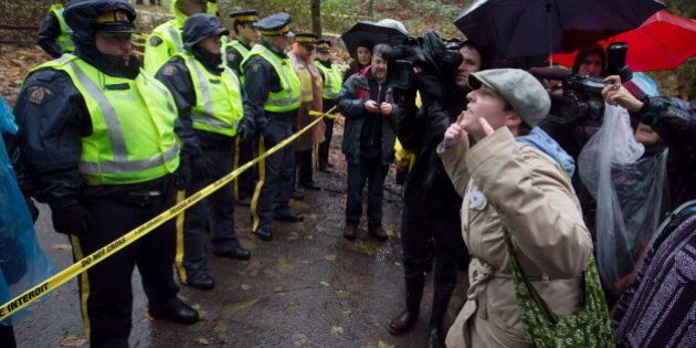 Kinder Morgan Begins Survey Work On Burnaby Mountain As Protests