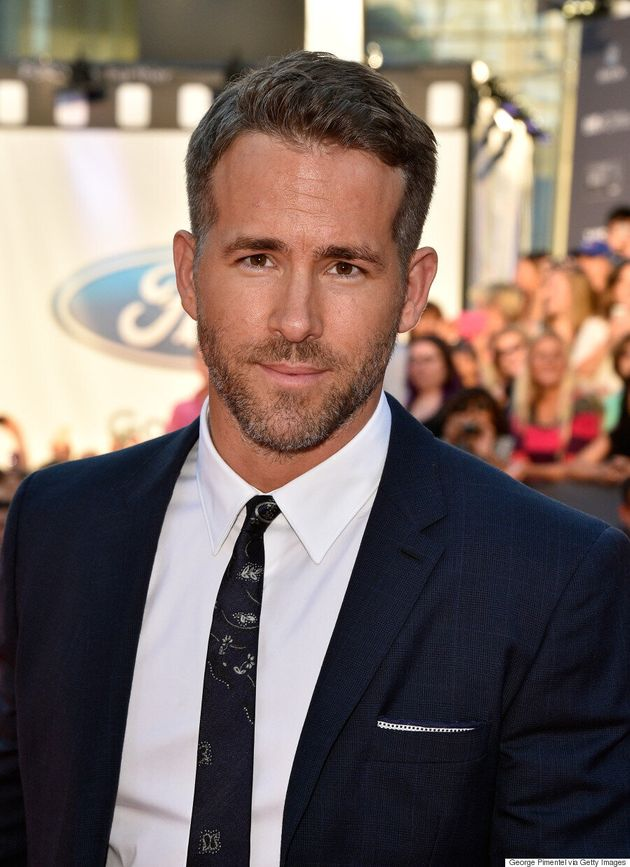 Ryan Reynolds TIFF 2015: Actor Charms Fans On Red