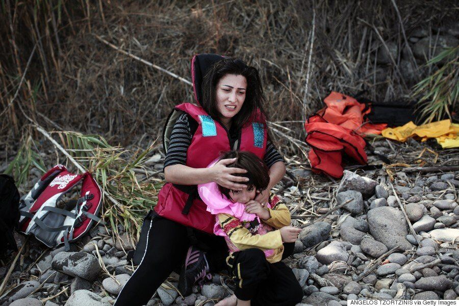 11 Heartbreaking Images That Put Syria's Refugee Crisis Into