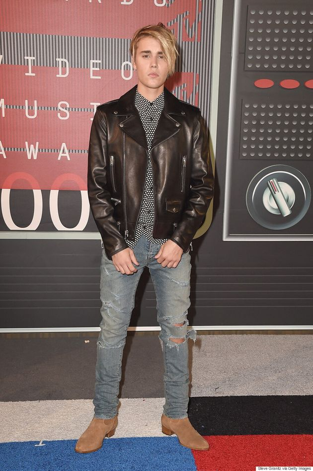 Justin Bieber Shows Off A Brand New 'Do At The 2015 MTV