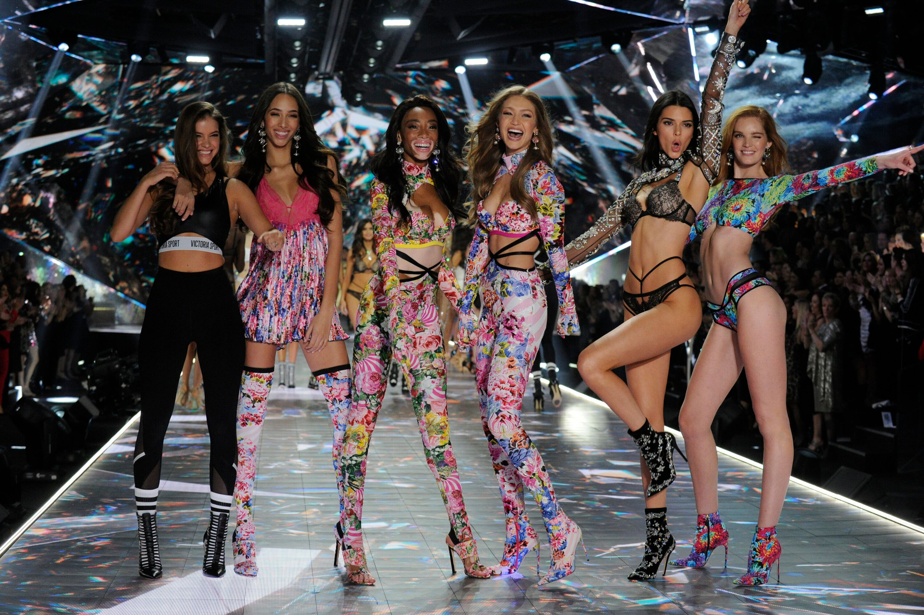 """VICTORIA'S SECRET FASHION SHOW HOLIDAY SPECIAL - Victoria's Secret's legendary Angels take to the runway for the 2018 Victoria's Secret Holiday Special, showcasing an all-star lineup of musical guests, including Bebe Rexha, The Chainsmokers, Halsey, Kelsea Ballerini, Rita Ora, Shawn Mendes and The Struts. Merging fashion, fantasy and entertainment, """"The Victoria's Secret Fashion Show Holiday Special"""" will air SUNDAY, DEC. 2 (10:0011:00 p.m. EST), on The ABC Television Network.   (Jeff Neira via Getty Images) VICTORIA'S SECRET FASHION SHOWS"""