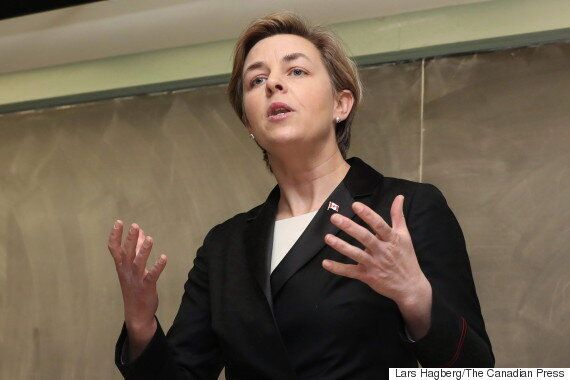 Kellie Leitch Campaign Says It Rejects Anti-Muslim Group Now Promoting